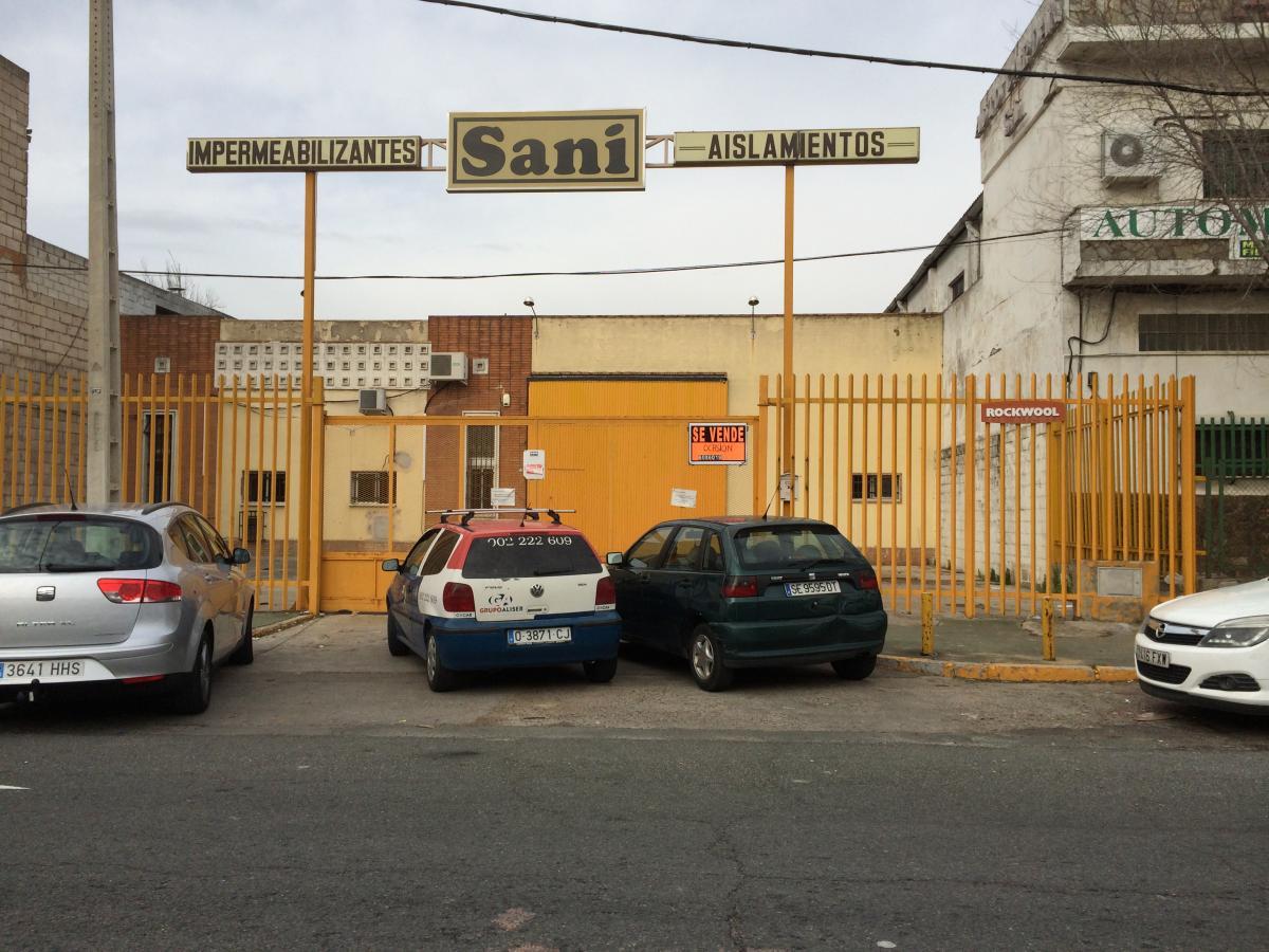 Parcela libre en la avenida de la Industria Nº 35
