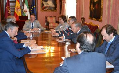 La Directiva del PICA reunida con Juan Espadas y Carmen Castreño.